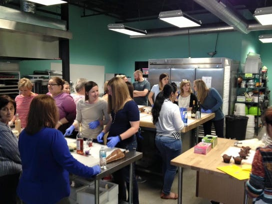 Cake Decorating Classes Usa : Floyd of Rosedale takes the cake at Cache Bake Shop