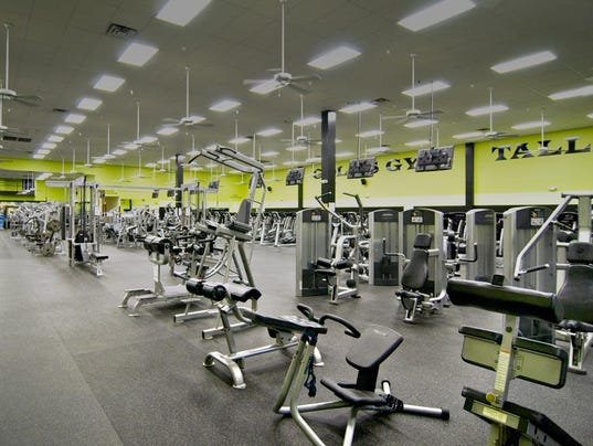 Gold's Gym closing….Caused by low-cost gyms