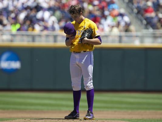 NCAA Baseball: College World Series-Cal State Fullerton vs LSU