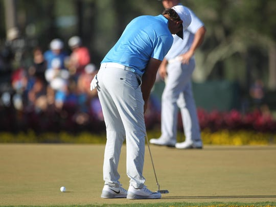 Former FSU golfer Brooks Koepka misses a bogey putt on No. 17 to drop two strokes and finish with a 5-under par round of 77.