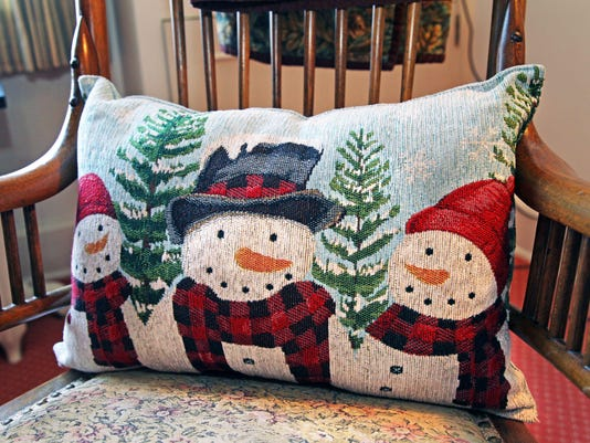 athome03-smith-snowman pillow