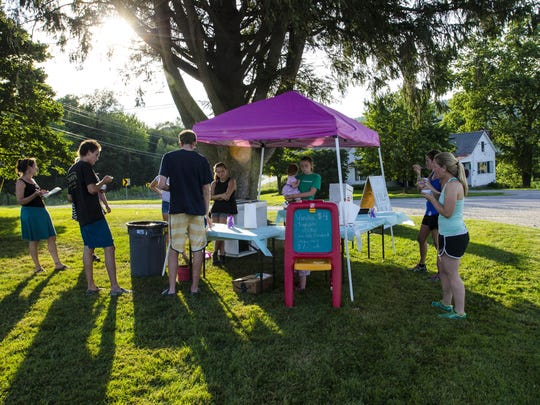Customers savor the flavor at the pop-up gelato stand