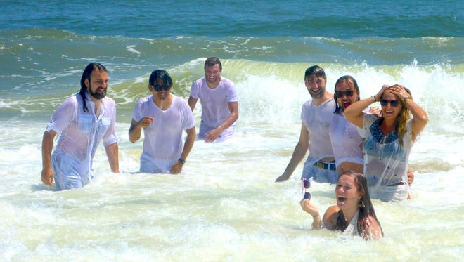 The Blind Spots will host a Beach Party at the Dock on Saturday.