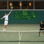 Photos: Bryan brothers vs. surfing Hobgood twins in Kiwi tennis