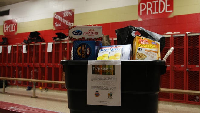 The Edison High School football team is collecting non-perishable food donations for the Yates House for Military Veterans. One hundred needy veterans will be provided a Thanksgiving meal. Food can be dropped off at the football team room until Tuesday, Nov. 22. For more information, please visit yateshouse.org.