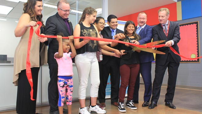 Rep. Raul Ruiz celebrated opening of a new computer lab at the Desert Hot Springs Health and Wellness Center alongside Desert Hot Springs Mayor Scott Matas and others, including students, on Oct. 19, 2017.