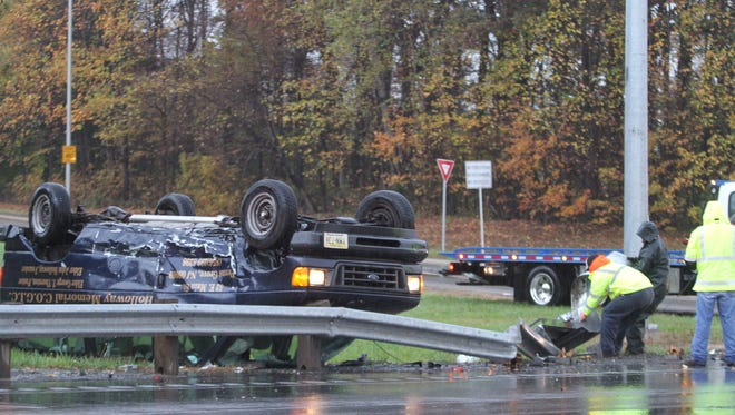 A crash involving an overturned vehicle causes delays on eastbound Del. 273 at Del. 1 Thursday morning.