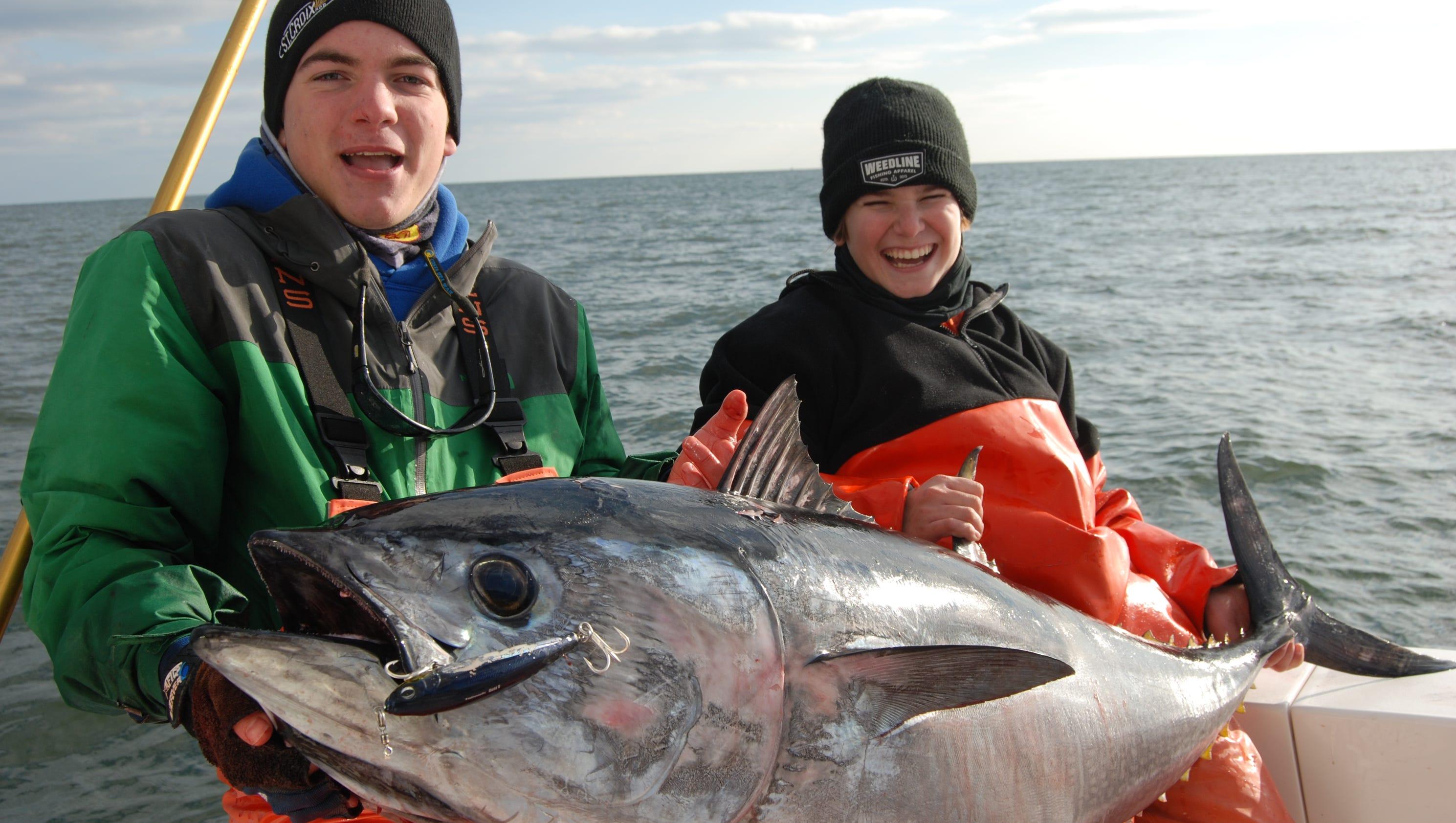 Anglers corral bluefin tuna on late season run for Tuna fishing season