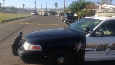 Riverside County sheriff's deputies arrested a pair of suspected copper wire thieves early Thursday morning.