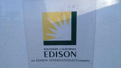 Southern California Edison crews respond to power outages in the desert.