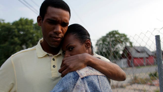 """Tika Sumpter, right, and Parker Sawyers appear in a scene from Roadside Attractions' """"Southside With You."""" (Pat Scola/Miramax and Roadside Attractions via AP)"""