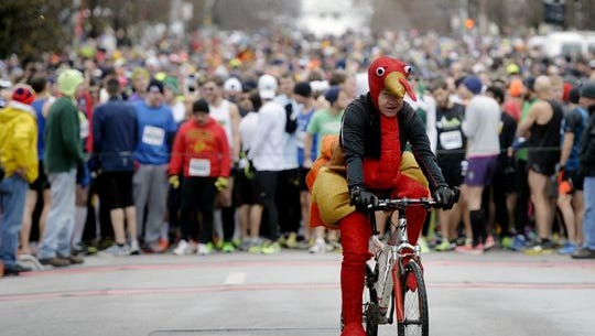 Don't be a turkey: Stay active over the holidays by focusing on family, not food. Learn how on PAGE 6.