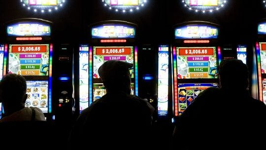 Casino Arizona is smaller than its sister location, but the spacious stand-alone casino is popular with locals and winter visitors.