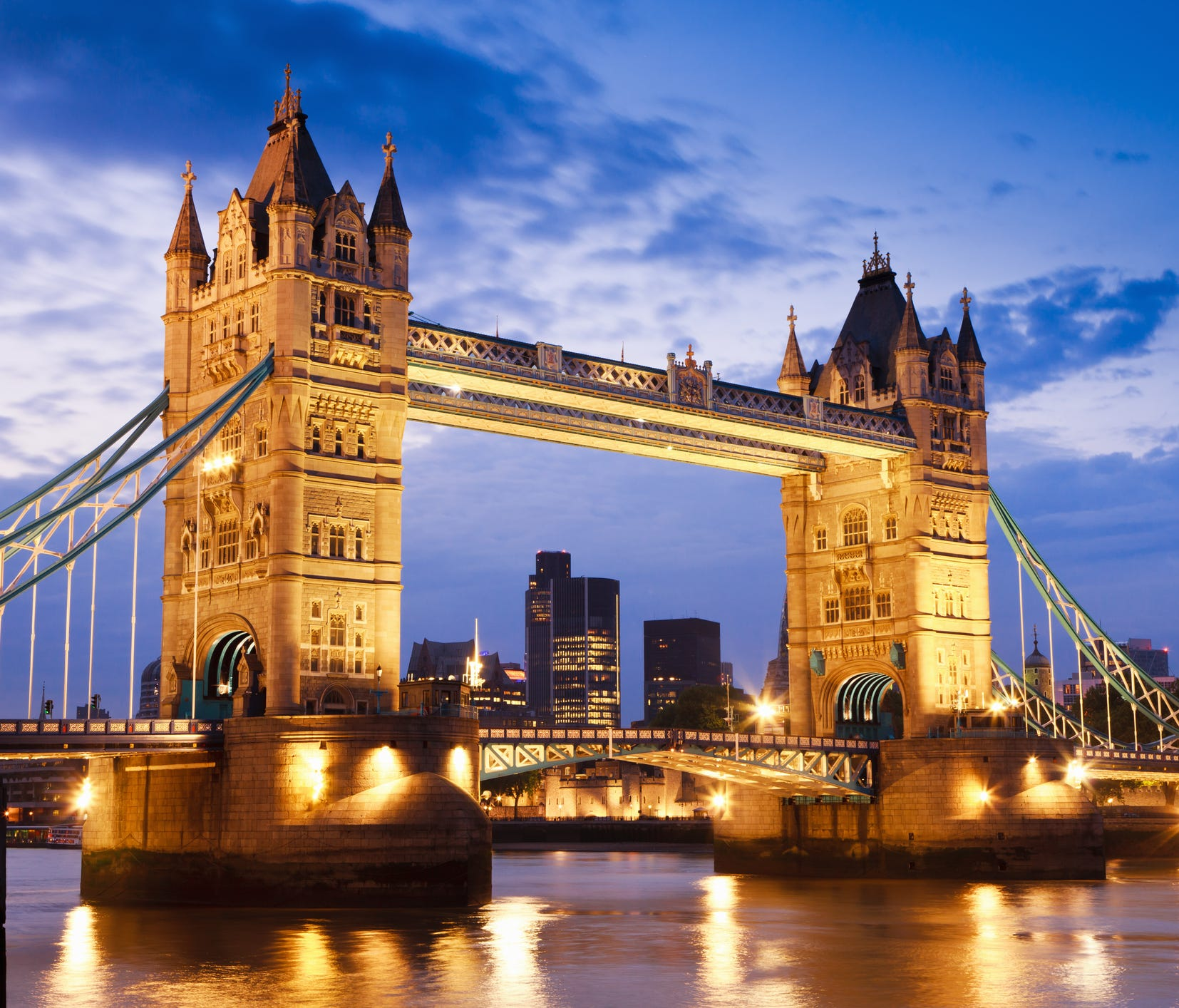 For U.S. travelers, getting to London has been a bargain for months now.