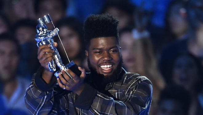 Khalid accepts the award for best new artist at the MTV Video Music Awards at The Forum on Sunday, Aug. 27, 2017, in Inglewood, Calif. (Photo by Chris Pizzello/Invision/AP)