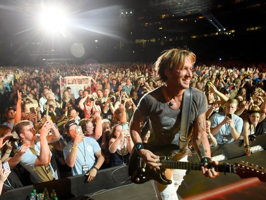 Keith Urban performs during the 2016 CMA Music Festival