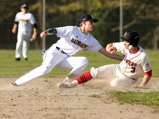 Bainbridge-Baseball-VS-Ballard-01.JPG