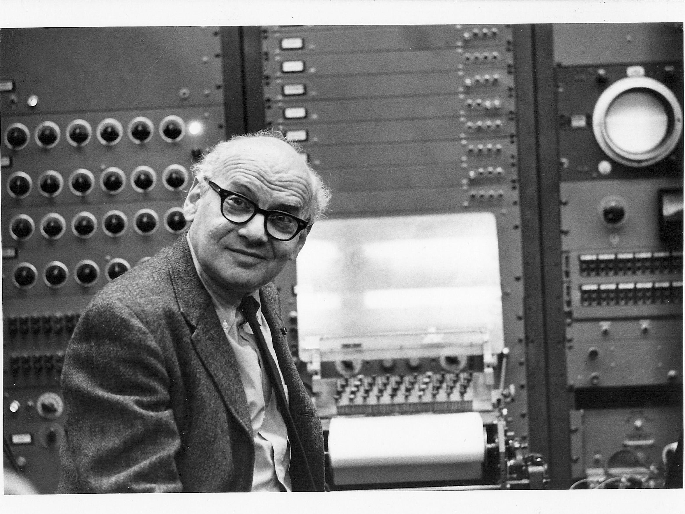 Milton Babbitt and the RCA Mark II Syntheszier.