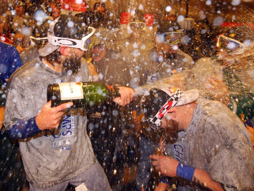 Game 5 in New York: The Royals celebrate with champagne