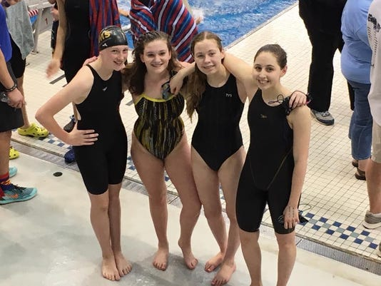 des.adm0411 swim meet03