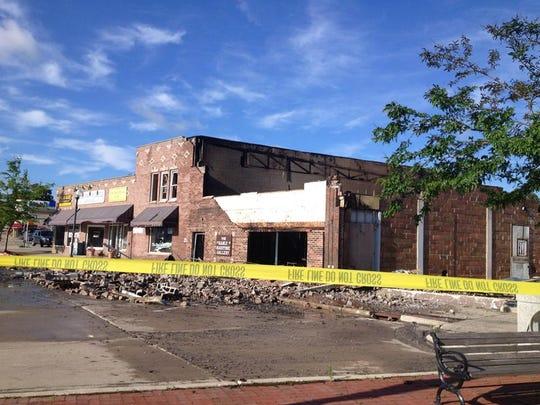 -DCA 0702 Steel Bridge Cafe fire 8.jpg_20140701.jpg