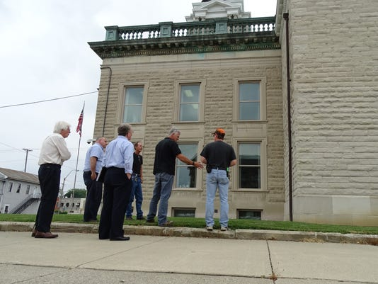 Preparing for courthouse repairs