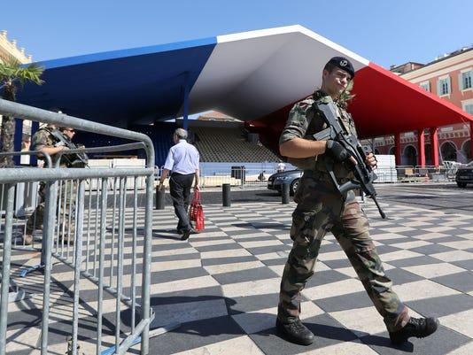 AFP AFP_QI9S2 I DEF AOT POL POL FRA AL