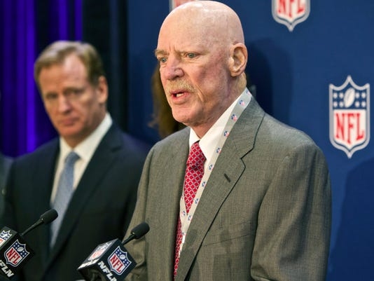 """FILE -In this Dec. 10, 2014 file photo Houston Texans owner Bob McNair speaks at an NFL press conference during an owners meeting, in Irving, Texas. At left is NFL commissioner Roger Goodell. McNair has apologized after a report said he declared """"we can't have the inmates running the prison"""" during a meeting of NFL owners over what to do about players who kneel in protest during the national anthem.  (AP Photo/Brandon Wade, File)"""