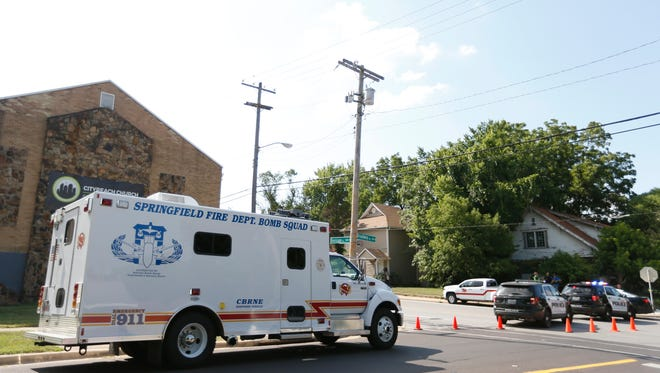 The Springfied Police Department and bomb squad responded to a house on West Division Street on Wednesday evening. Division street was shut down from Broadway Avenue to Johnston Avenue.