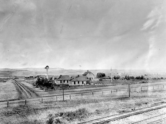 A 1914 photo of the Huntley Experimental station, taken from across the train tracks.