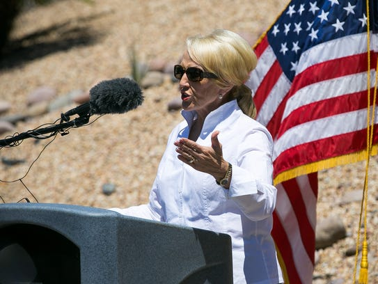 Gov. Jan Brewer and Nogales