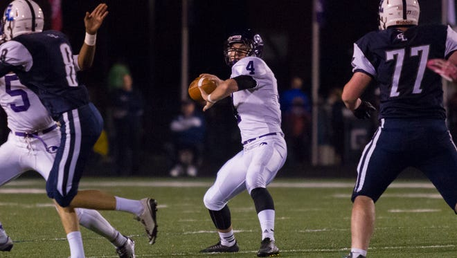 Skyler Nichols of Lakeview back to pass against Gull Lake.