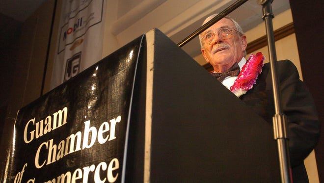 "In this file photo, E. L. ""Bill"" Gibson acknowledges the Guam Chamber of Commerce for his award as Guam Business Hall of Fame 2009 Honorary Laureate."