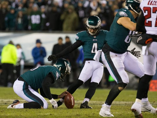 Eagles kicker Jake Elliot attempts a field goal to