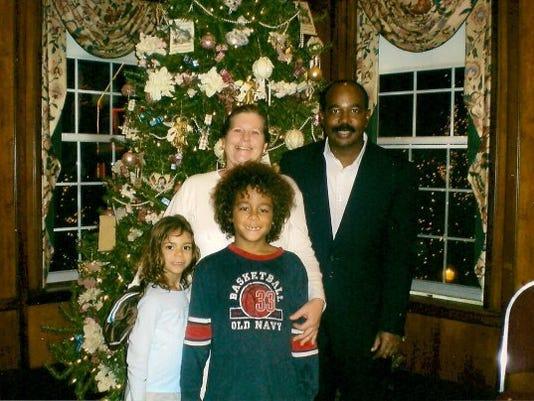 636380551243294587-family-photo-christmas-08.jpg