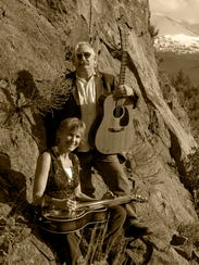 Duo Leslie Tift and Tom Scott.