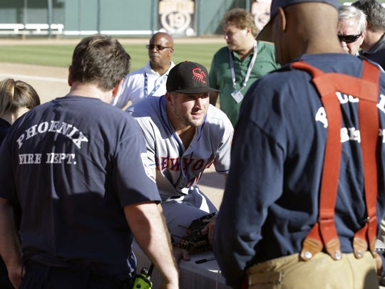 Tim Tebow waits 13 minutes for EMTs to respond to a