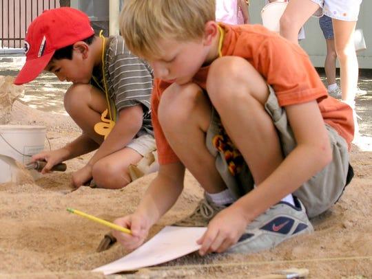 "The Pueblo Grande Museum hosts ""archeology for kids"""