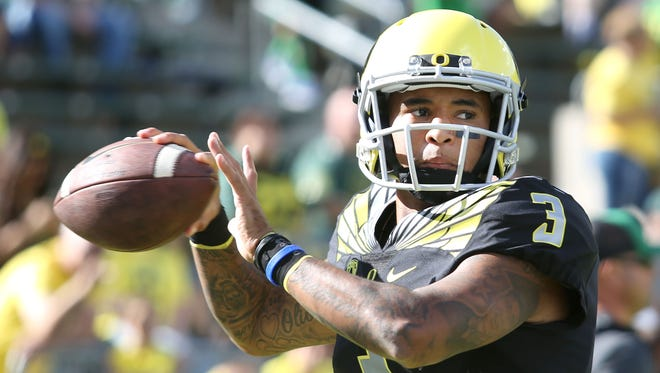 Oregon Ducks quarterback Vernon Adams (3) warms up before their game with Eastern Washington on Sept. 5, 2015, in Eugene, Ore.