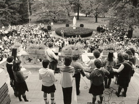 OCTOBER 15, 1988: Peace Service: Students at Mother