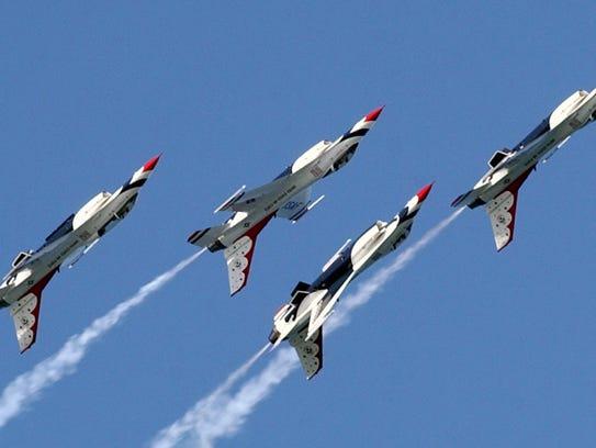 The Thunderbirds fly their F-16C/D's upside-down as