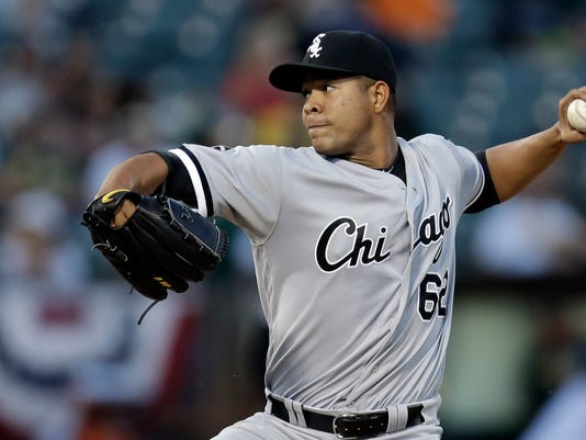 Chicago White Sox pitcher Jose Quintana works against the Oakland Athletics in the first inning of a baseball game Tuesday, April 5, 2016, in Oakland, Calif. (AP Photo/Ben Margot)