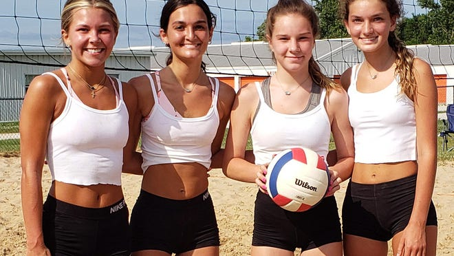Chicks with Digs, winners of the 15-17 age division, from left,  Hannah Jagers, Marah Young, Cora Hodge, and Raqi Young.