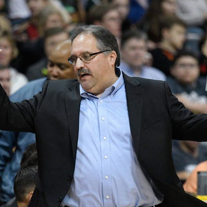 Pistons coach Stan Van Gundy reacts to a play against