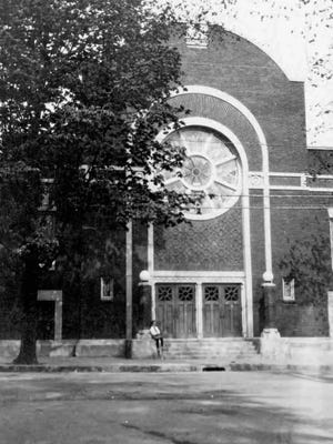 The Sons of Israel Synagogue on Exchange Street in Binghamton, around 1920.
