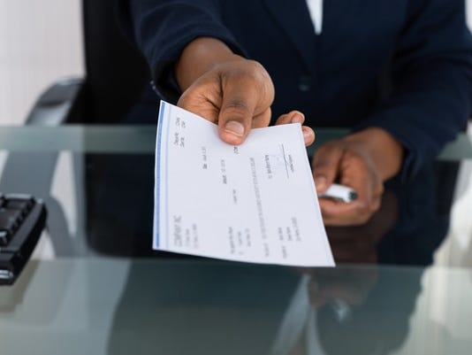 paycheck_gettyimages-585802574_large.jpg