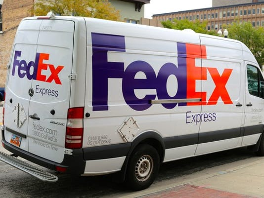 shipping-fedex-express-truck-fdx_large.jpg