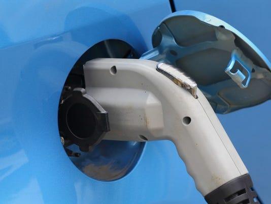 lithium-stocks-ion-tesla-electric-cars-ev-albemarle-sqm-fmc_large.jpg