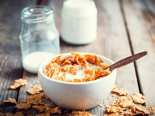 cereal-with-milk-on-a-table_large.jpg
