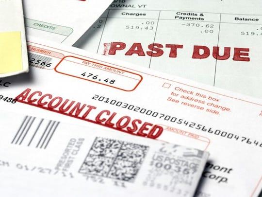 Bills with past due notice
